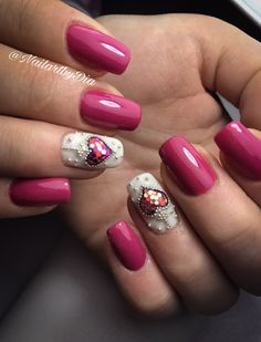 Nailart pink heart Valentine's Day