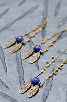 OLYMPE - Collier, boucles d'oreille | Necklace, earrings - BAZAROÏDE CREATION Lapis-lazuli et laiton. Série limitée. / Lapis lazuli with brass elements. Limited edition.