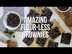 Sub: cup swerve, cup Lily's chocolate chips Amazing Flour-less Black Bean Brownies are moist, chocolatey and delicious – finally a low-fat, gluten-free brownie that's pretty darn good made with no flour and no butter! Ww Desserts, Weight Watchers Desserts, Gluten Free Desserts, Dessert Recipes, Skinny Recipes, Ww Recipes, Low Carb Recipes, Cooking Recipes, Skinnytaste Recipes