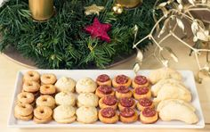 Cheese, Cookies, Chicken, Desserts, Crack Crackers, Tailgate Desserts, Deserts, Biscuits, Postres