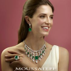 Emeralds represent all the wonderful things in this world and how they are interconnected with love. of fine Colombian emeralds & diamonds suite. Emerald Necklace, Emerald Jewelry, High Jewelry, Silver Pendant Necklace, Luxury Jewelry, Necklace Set, Gold Jewellery, Small Necklace, Stone Necklace