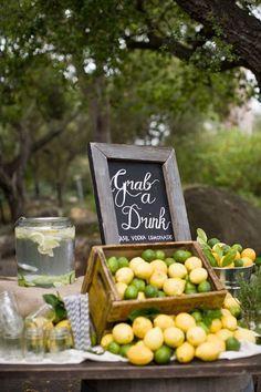 22 Unique Wedding Bar Design Ideas - I'd love to have a fresh lemonade bar. Lemonade Wedding, Vodka Lemonade, Fruit Wedding, Spiked Lemonade, Wedding Foods, Bar Menu, Food Trucks, Bar Drinks, Unique Weddings