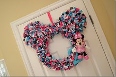 DIY Minnie Mouse Ribbon Wreath - Minnie Mouse Birthday Party