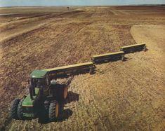 Vintage Tractors, Old Tractors, John Deere Tractors, Vintage Farm, Old Farm Equipment, John Deere Equipment, Heavy Equipment, John Deere Combine, New Tractor