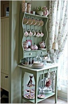 Chic Kitchen Decoration Kitchen decor shabby chic display Ideas for 2019 Shabby Chic Mode, Cocina Shabby Chic, Muebles Shabby Chic, Shabby Chic Kitchen, Shabby Chic Cottage, Shabby Chic Style, Shabby Chic Decor, Kitchen Decor, Cottage Style