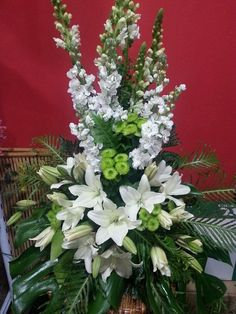 arreglos florales - Buscar con Google Funeral Floral Arrangements, Easter Flower Arrangements, Large Floral Arrangements, Flower Vases, Flower Pots, Church Wedding Flowers, Altar Flowers, Funeral Flowers, Big Flowers