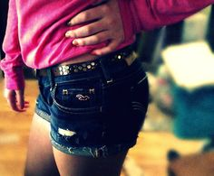 Hollister shorts>>> i have the same shorts and i love them a lot> ...!!!!!! <3