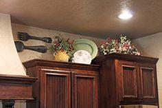 upper kitchen cabinet display
