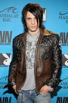 Criss Angel Mindfreak, Old Photography, Awesome Things, The Dreamers, Sexy Men, Organize, Leather Jacket, Entertainment, Magic
