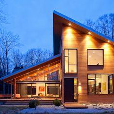 Hermosa fachada de casa moderna de campo