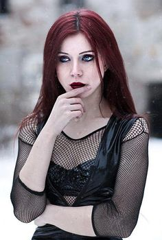 Model: Elizabeth Photo: Freyja Schimkus Welcome to Gothic and Amazing |www.gothicandamazing.com