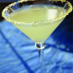 calories in a lemon drop martini only in salon food recipes ideas Lemon Drop Martini, Vodka Martini, Easy Cocktails, Cocktail Making, Juice Recipes, Alcohol, Tableware, Ideas, Food
