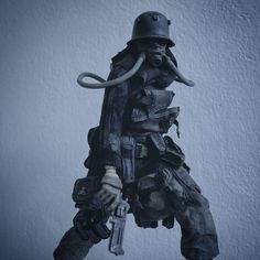3ALegion feature: WWR | EVOL Sombre de Plume, photographed by sgt_smile (http://instagram.com/sgt_smile).              #threeA #AshleyWood #AshleyWoodArt #WorldOf3A #WO3A #WWR #WorldWarRobot #3ALegion