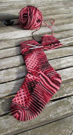 Waffled Footsies sock pattern by Anita Grahn English Crochet Socks, Knitting Socks, Free Knitting, Knit Crochet, Knit Socks, Love Knitting Patterns, Stitch Patterns, Knitting Ideas, Slipper Socks