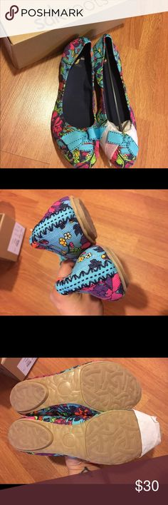 sakroots Flower Power Farrah Flat sakroots Flower Power Farrah Flat.  New in box.  Bright and fun shoe with an elastic top line, micro suede in the heel counter for extra comfort and a cute bow detail.  Canvas upper. Size 10 sakroots Shoes Flats & Loafers