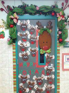 this door is tooooo cute!....christmas
