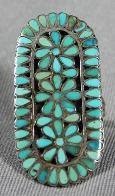 LOVE turquoise... Especially in big rings! rcoving2