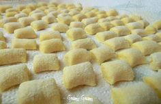 Italian Food on the Go Ravioli, Gnocchi Pasta, Gnocchi Recipes, Pasta Recipes, Italian Dinner Recipes, Wie Macht Man, Homemade Pasta, International Recipes, How To Cook Pasta