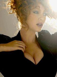 Christina Hendricks.