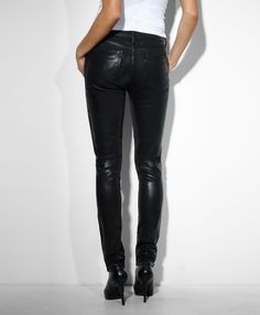 Get in touch with your wild side with these High Rise Skinny Jeans in High Shine Black by Levi's