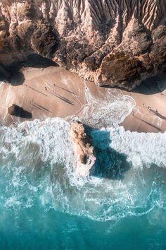 Tutta la sfavillante bellezza della costa autraliana nella fotografia aerea di Gabriel Scanu Gabriel Scanu ha vent'anni appena, ma i suoi scatti hanno già fatto il giro del mondo. E guardandoli se ne capisce il motivo: la bellezza della costa australiana nelle immagini di Scanu è mozzafiato. #fotografia #natura #oceano #drone