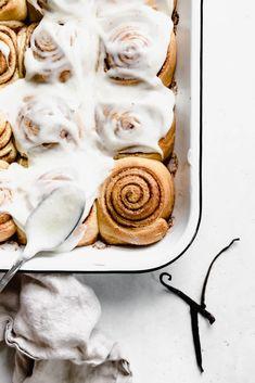 Vanilla Bean Cinnamon Buns - Broma Bakery Brunch Recipes, Sweet Recipes, Dessert Recipes, Desserts, Cinnamon Bread, Cinnamon Rolls, Broma Bakery, Camping Meals, How To Make Bread