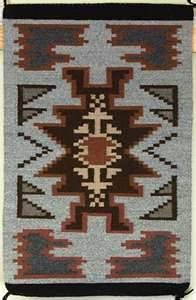 Navajo rug Navajo Weaving, Navajo Rugs, Weaving Art, Rug Weaves, Native American Rugs, First Nations, Tapestries, Woven Rug, Aztec