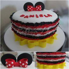 Minnie ruffle cake