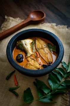 Kerala Fish Curry with Coconut Milk- Pepper Delight #pepperdelightblog #recipe #fishcurry #fishwithcoconutmilk #keralafood #keralastylefishcurry #nadanfood #indianrecipes #easter #meencurry #christmas #seafood #fishrecipes #festivalrecipes #sidedish #keralaeasterrecipes #fishstew