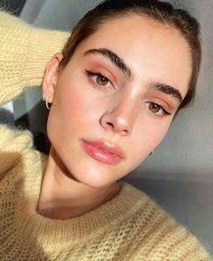 Trendy natural makeup ideas with simple eyeliner Makeup Goals, Makeup Inspo, Makeup Inspiration, Makeup Tips, Makeup Products, Clean Makeup, Makeup Ideas, Peach Makeup Look, Beauty Products