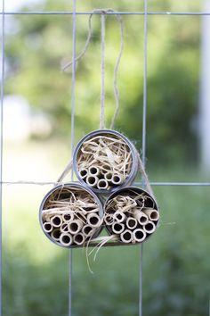DIY: Ohrwurmtopf und Dosen-Hotel - Another! Some Ideas, Container Gardening, Wind Chimes, Diy And Crafts, Outdoor Decor, Handmade, Kindergarten, Natural, Gardens