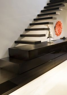Phenomenon Incredible Floating Staircase Design Ideas To Looks Dazzling dec. - Annette Home Home Stairs Design, Interior Stairs, Interior Architecture, Interior And Exterior, Interior Design, Winding Staircase, Floating Staircase, Casa Loft, Traditional Staircase