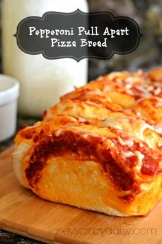 Pepperoni Pull Apart Pizza Bread - kids love this one!
