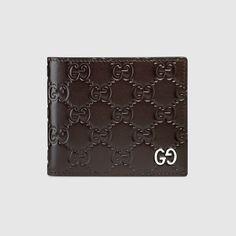 GUCCI Gucci Signature wallet - brown Gucci Signature. #gucci #
