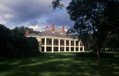 Destrehan Plantation...perfect Southern spot to spend some cold winter months!