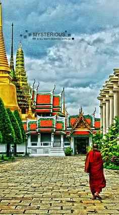 Wat Phra Kaew, Bangkok, Thailand จองตั๋วเครื่องบินโปรโมชั่นทุกสายการบิน บริการสำรองจองห้องพักและแพคเกจทัวร์ถูกทั้งในและต่างประเทศ จองผ่านเรา เราเป็นตัวแทนจำหน่ายตั่วเครื่องบินทุกสายการบิน  บริการจองตั๋วเครื่องบิน สายการบินไทย โทร. 02-278 4486  จองง่ายๆผ่านเจ้าหน้าที่ หรือ สอบถามทางเมล์และไลน์ ค่ะ บริการทุกวัน  Line:meomee หรือ ticket@airskyey.com เวปไซน์ : http://www.airskyey.com