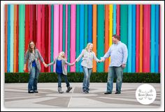 #familyphotoshoot #familylove #familypose #reneewatersphotography #thesmithcenter