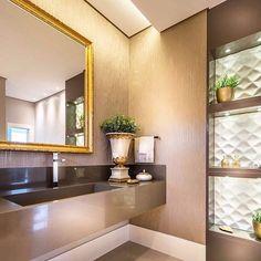 Banheiro feminino.  adoramos! #estudiocmaisc #mellie #ceramicaportinari #arquitech #uniãomóveis willianbs Bathrooms - Baños