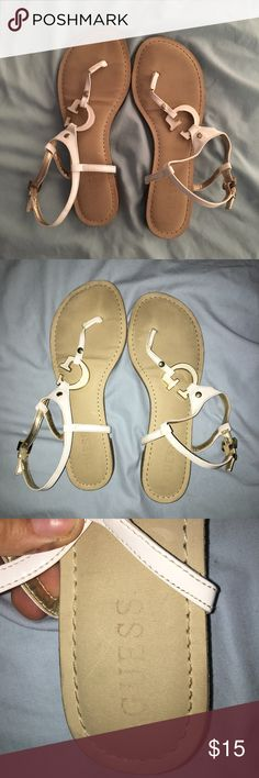 White Guess Sandals Like new white guess sandals! Worn twice! Super nice and comfortable and perfect for a summer night! Guess Shoes Sandals