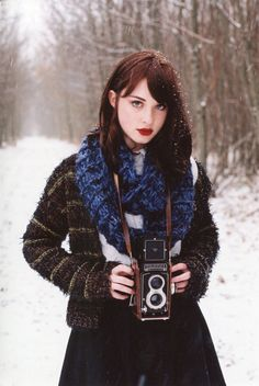 Cold red haris with classic Russian look girl Girls With Cameras, Classic Camera, Classic Girl, Look Girl, Portraits, Beauty Shots, Female Photographers, Vintage Cameras, Character Aesthetic