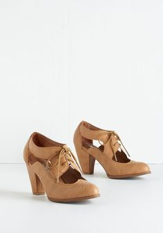 One Pep Ahead Heel. Get a stunning start on the day by stepping into these taupe-hued pumps by Chelsea Crew. #tan #modcloth