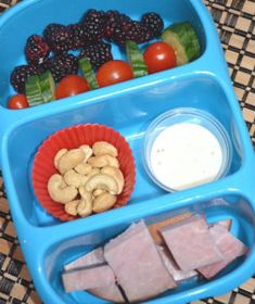 Healthy kids Lunch Boxes - Paleo, Gluten free, grain free, soy free, healthy kids lunches from PoorPaleo.com