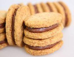 La cuisine de Bernard Thermomix Desserts, No Cook Desserts, Cookie Desserts, Cookie Recipes, Delicious Desserts, Dessert Recipes, Biscuit Cookies, Yummy Cookies, Super Dieta