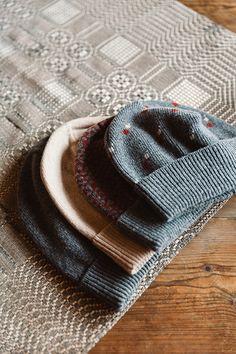 Ornamon Design Joulumyyjäisistä löytyy niin muotia, asusteita ja koruja, kodin sisustusta kuin lifestyle-tuotteitakin koko perheelle. Tapahtuma järjestetään Helsingin Kaapelitehtaalla 4.-6.2015. #design #joulu #designjoulumyyjaiset #joulumyyjaiset #kaapelitehdas #christmas #helsinki #finland #event #interior #minimalism #graphic #selected #accessories #fashion #familyevent #ornamo #alinapiu #accessoriesdesignjoulumyyjäiset #designjoulumyyjaiset Helsinki, Knitted Hats, Winter Hats, Knitting, Design, Fashion, Moda, Tricot, Fashion Styles