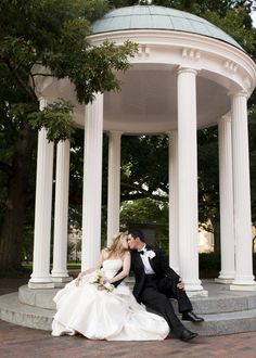 Today S Rules Of Who Pays For What When It Comes To A Wedding Are Little Grey Here Is Short And Sweet List New Etiquette