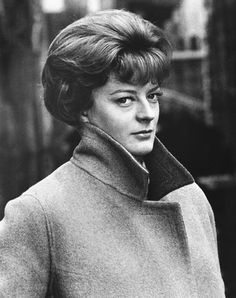 30 Gorgeous Black and White Photos of a Young Maggie Smith, Who Plays Professor McGonagall in the 'Harry Potter' Films ~ vintage everyday English Actresses, British Actresses, British Actors, Actors & Actresses, American Actors, Maggie Smith Young, Kristin Scott Thomas, Jonathan Scott, Harry Potter Films