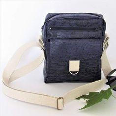 Sandrine sur Instagram: Disponible ici 👇 stylwoolgeneration.com Jive sacoche mixte Jive est une petite sacoche pour homme zippée à porter en bandoulière : un…