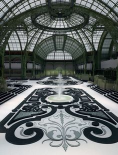 Chanel FASHION sHOW sET 2011