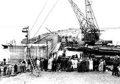 Door afdamming van de Brielse Maas op 3 juli 1950, dat sindsdien Brielse Meer heet, ontstond een zoetwaterreservoir dat niet alleen de landbouw en de opkomende industrie uit de nood hielp, maar ook recreatie mogelijk maakt.