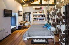 Dormitorio principal, en una casa de campo //  Master berdroom of a country house